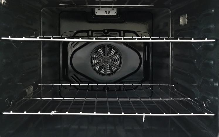 2019 HER30FSC Oven interior web